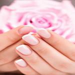 Розовый цвет в одежде — что и с чем носить?