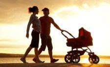 Как выбрать детскую коляску для малыша