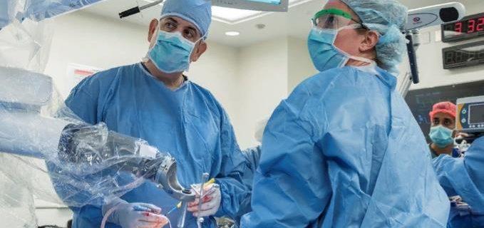 хирурги операция врач
